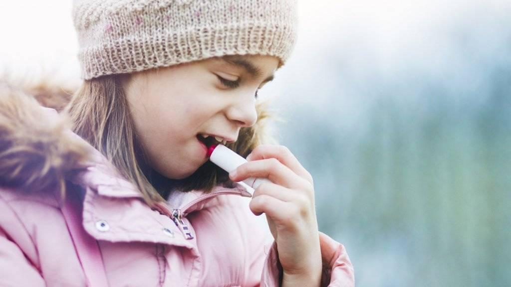 RTL nieuws: Pas op met lippenbalsem voor kinderen: bevat mogelijk gevaarlijke stoffen