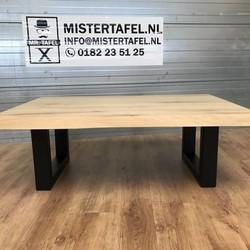 Tafels Gemaakt Van Boomstammen.Mister Tafel Industriele Eiken Tafel Mistertafel