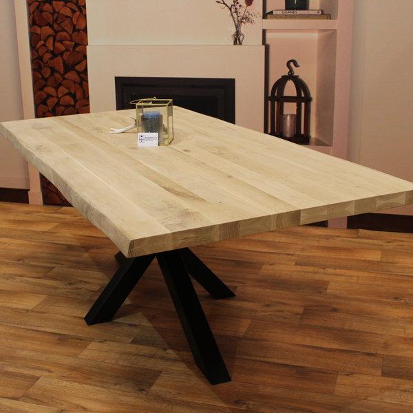 Eettafel eiken hout BOOMSTAM - matrix tafelonderstel