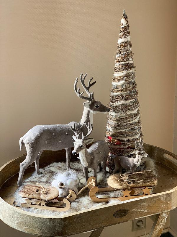 REINDEER CHRISTMAS SCENE