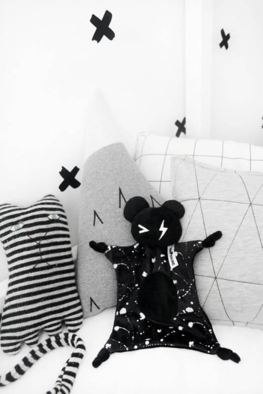 Van Pauline Cuddle Bear Black