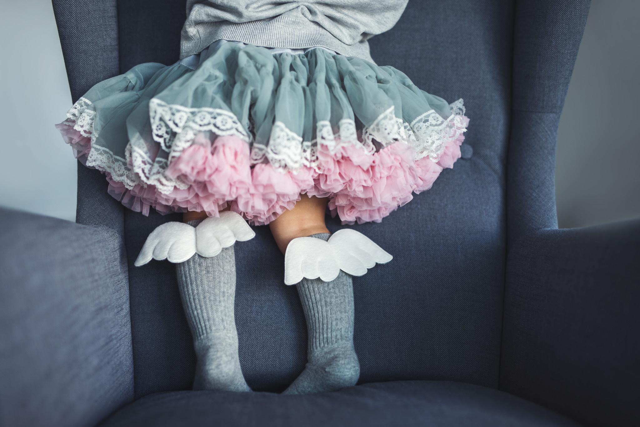 Mama's Feet Angel Knee Highs Graphite