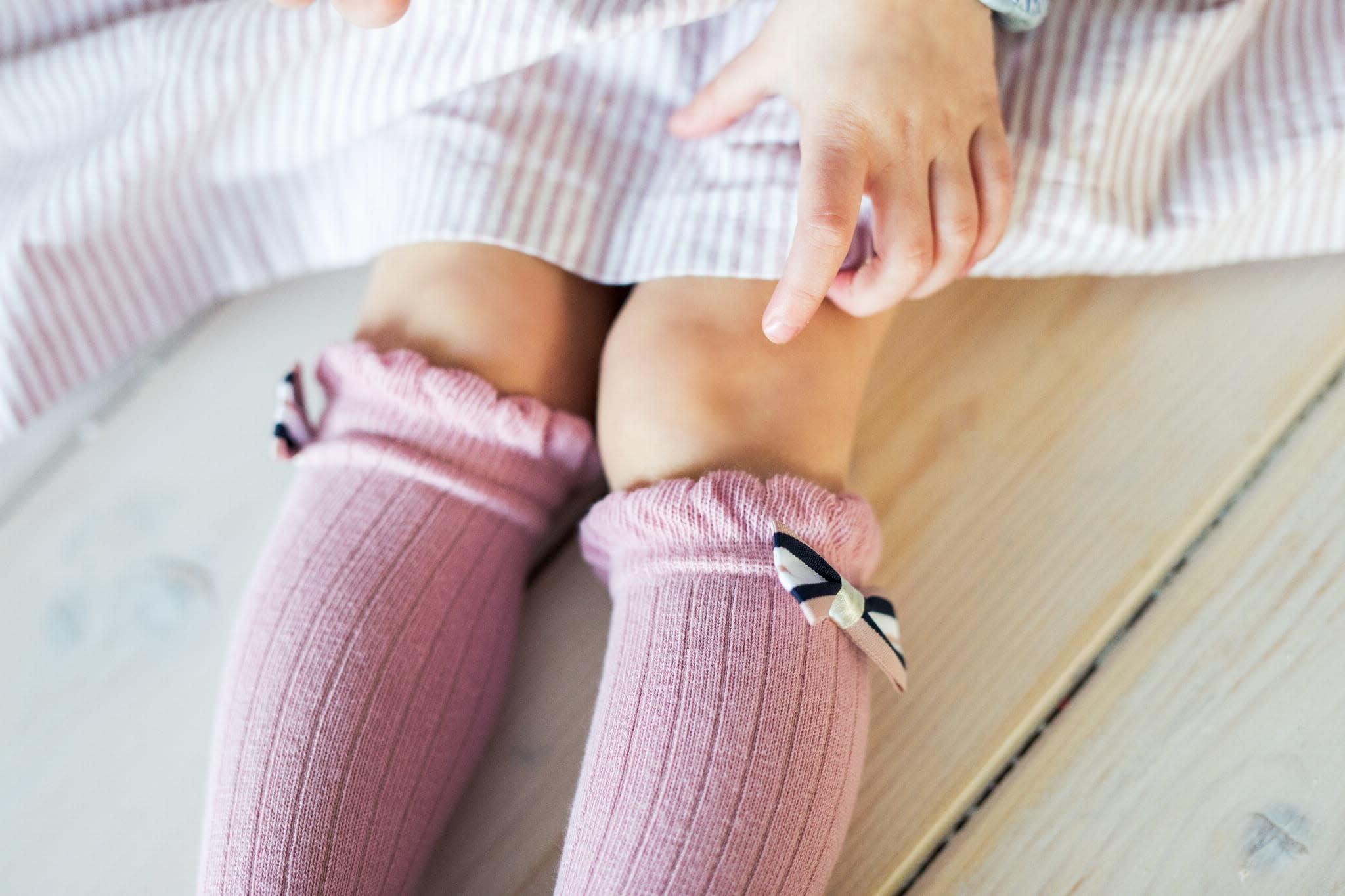 Mama's Feet Bow Knee Socks Old Pink