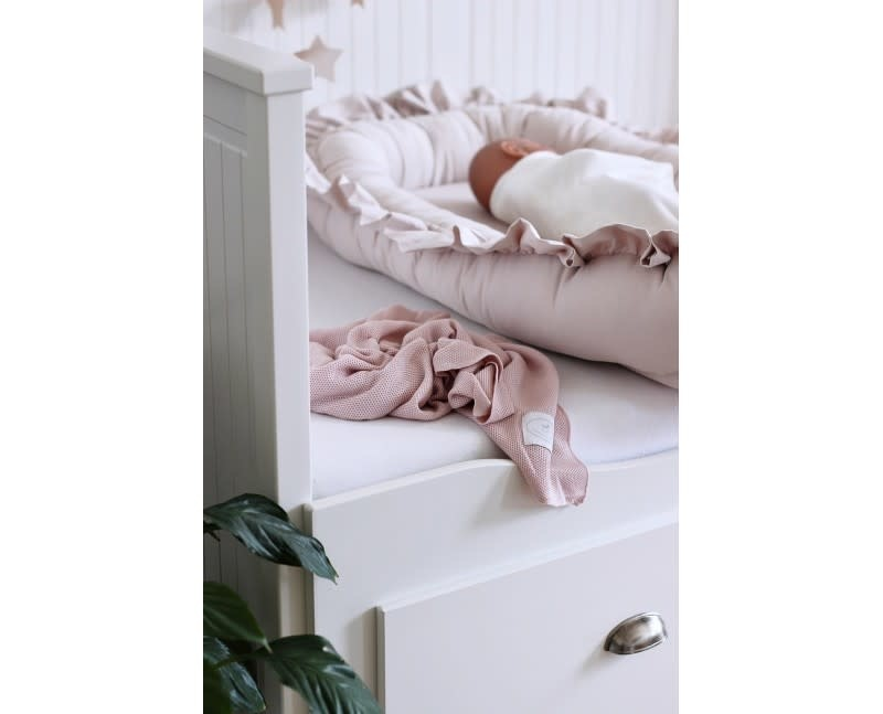 Cotton & Sweets Simply Glamour Babynest With Ruffles Powder Pink