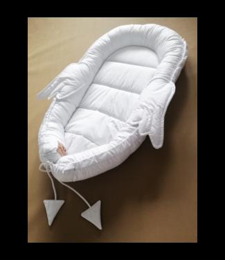 Huggles Republic Baby Nest Wings White