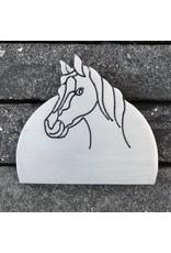Inox naamplaat voor paardenstal