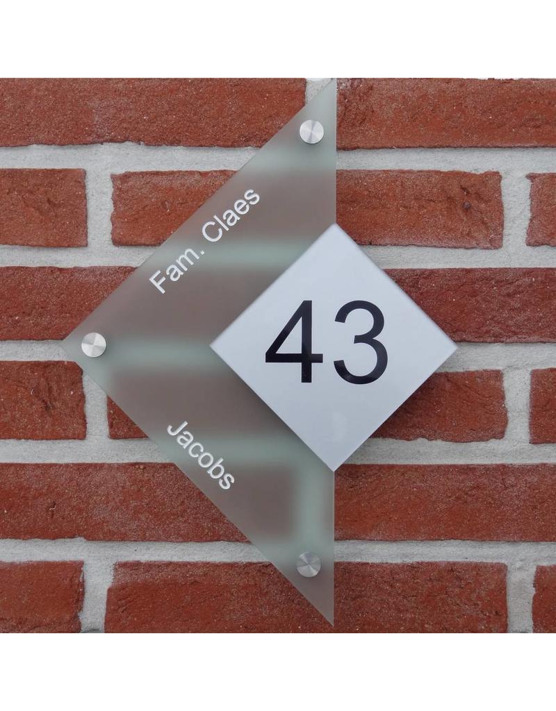 Driehoek naamplaat glaslook 29x22