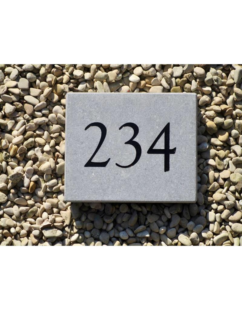 Huisnummer blauwsteen ingekleurd 11x16