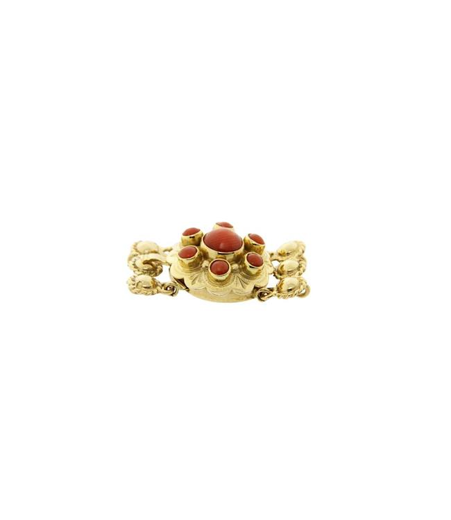 Gold ornamental clasp with red coral 14 crt