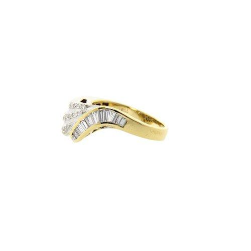 Goldener zweifarbiger Fantasy-Ring mit Diamant 18 Krt