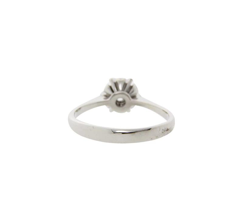 White gold solitaire ring with diamond 18 crt