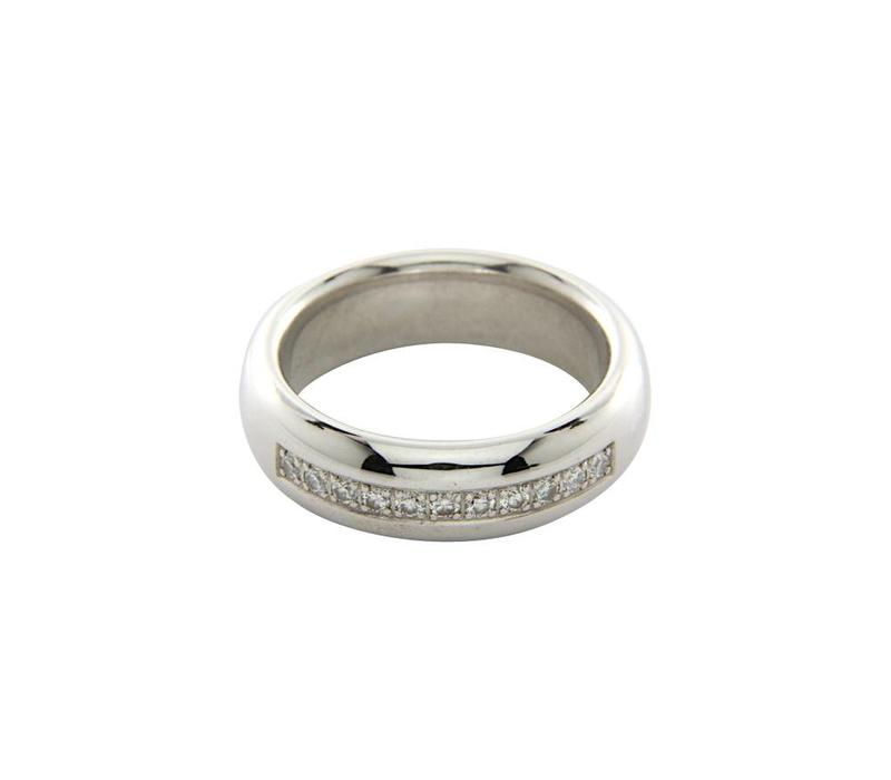 White gold ring with diamond 14 crt