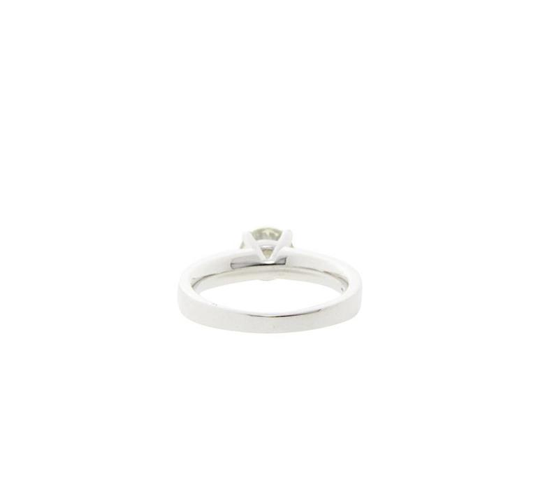 Weißgold-Solitärring mit 0,95 BRK Diamant 18 CRT * neu