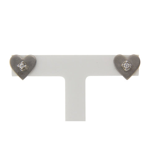White gold heart earrings with 14 carat diamond