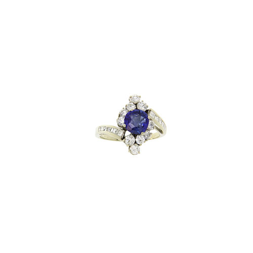 White gold ring with sapphire and diamond 14 krt