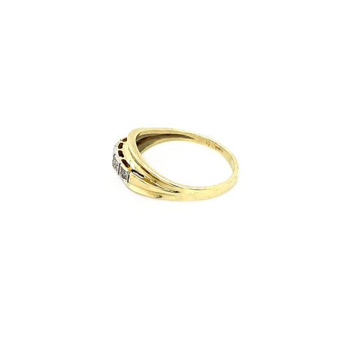 Gold ring with diamond 14 krt