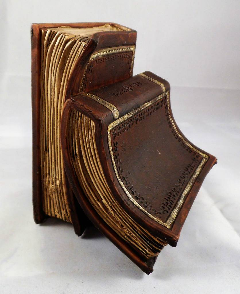 Hill Interiors Pair Of Brown Old Books Bookends