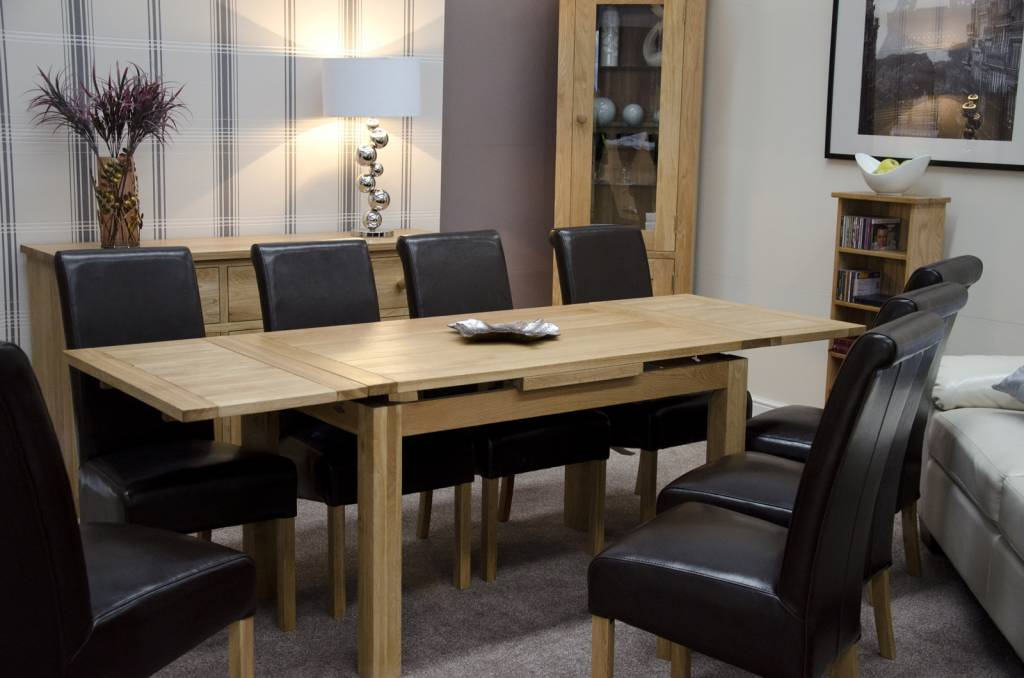 HomestyleGB Medium Draw Leaf Oak Extending Dining Table