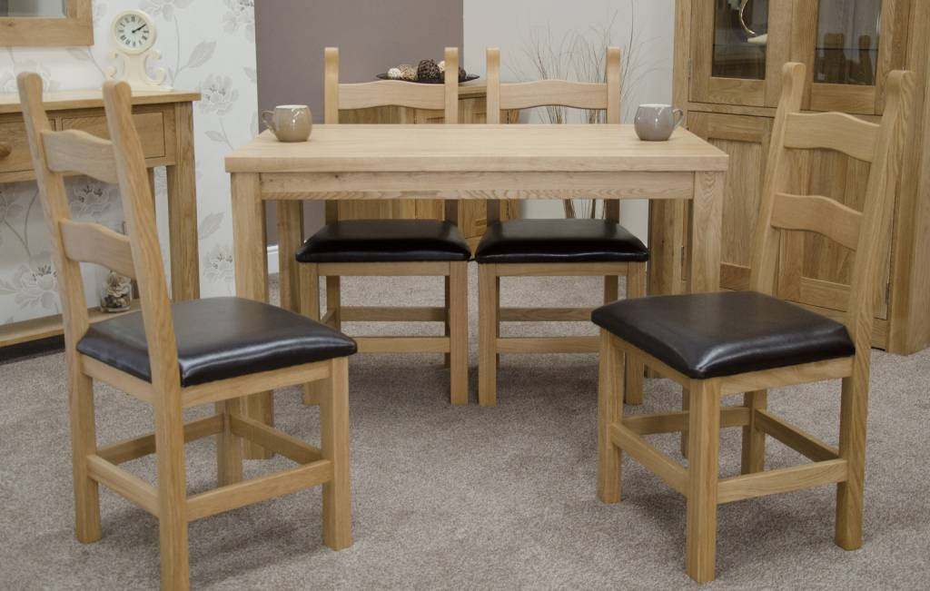 HomestyleGB Elegance Oak Medium Dining Table