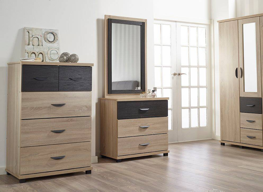 Dominic 3 Drawer Chest