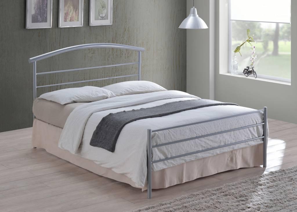 Brennington Metal Bed