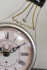 Bulb Shelf Clock