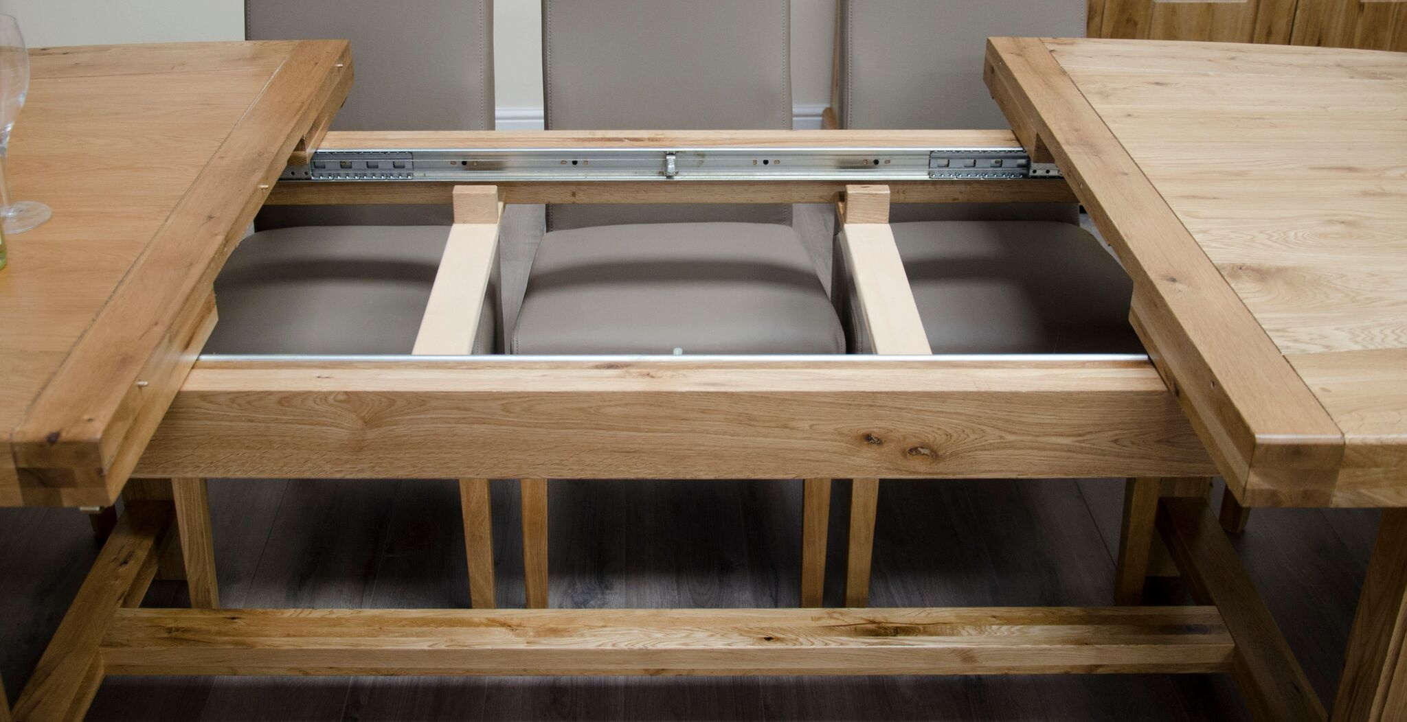 Deluxe Oak Super Oval Extending Dining Table