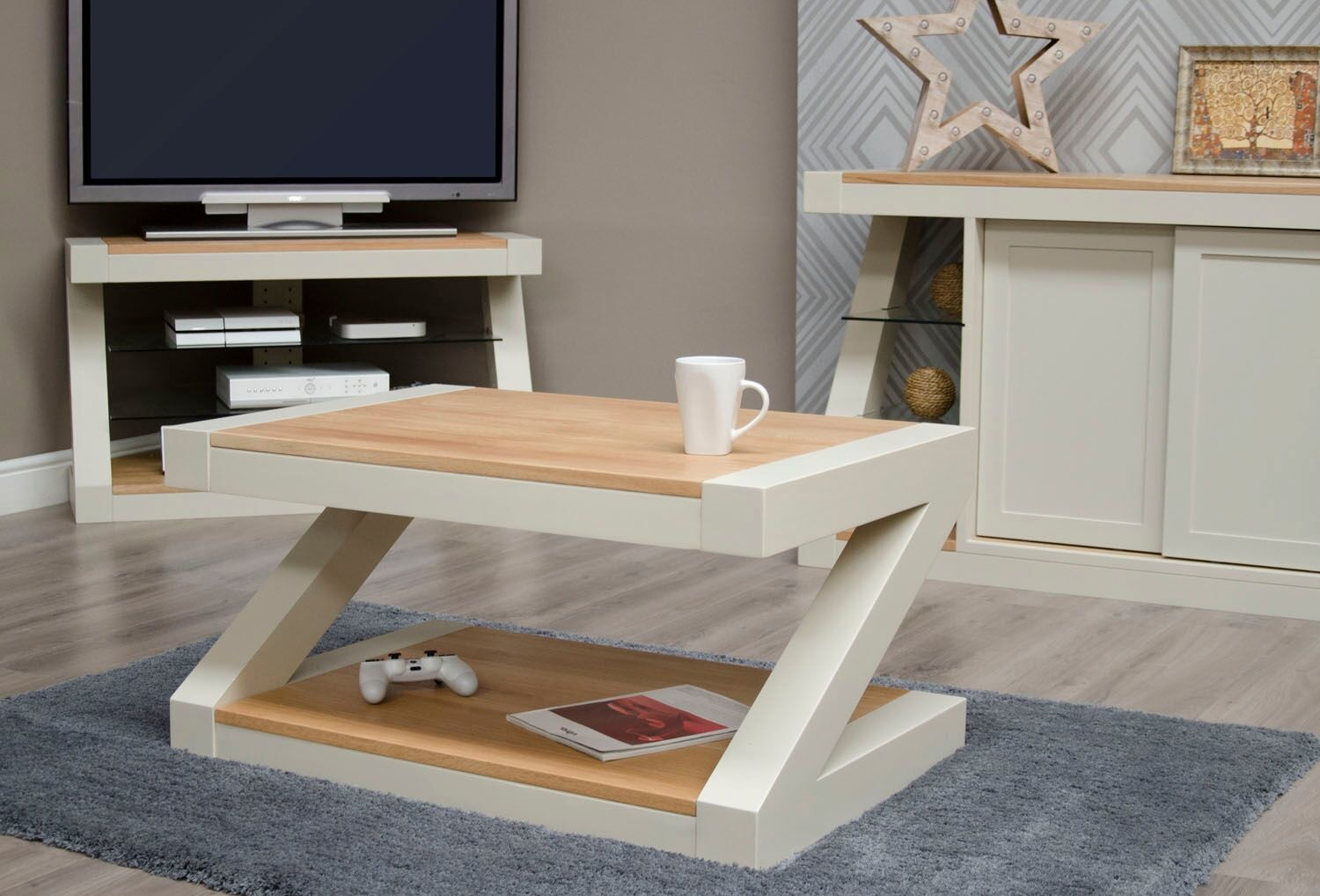 HomestyleGB Painted Z Coffee Table