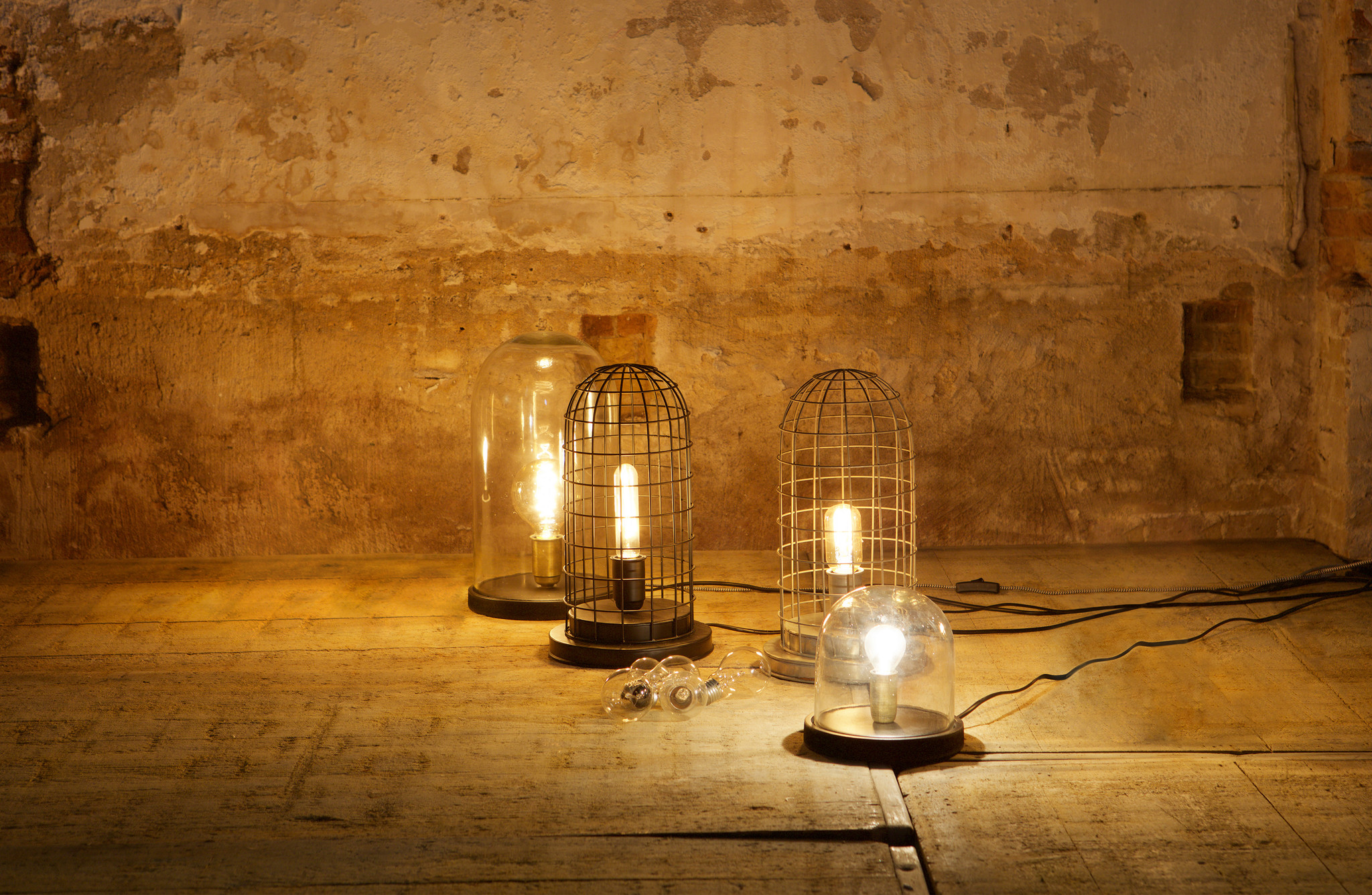 BePureHome Hive Cage Table Lamp - Black