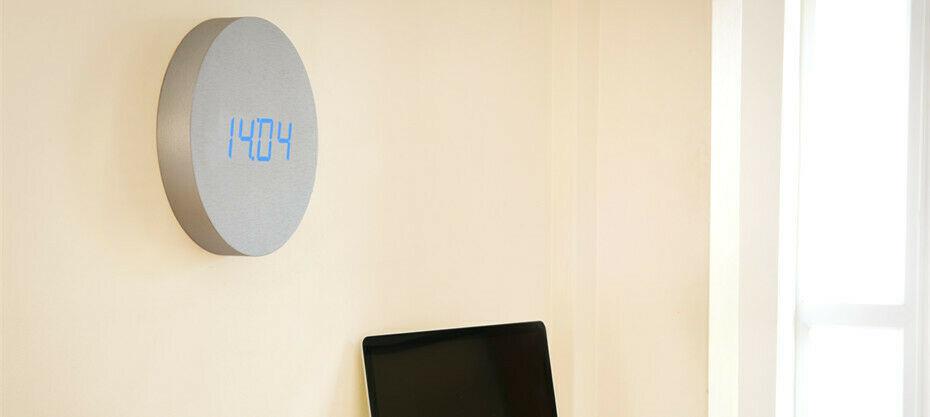 Gingko Aluminium Wall Click Clock / Blue LED - Sound Activated