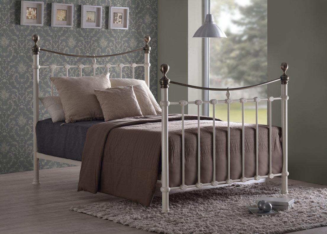 Elizabeth metal bed