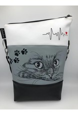 Foldover Cat with ECG