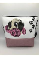 Milow Hund - Mops mit Kopfhörern