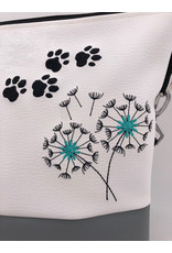 Milow Australian Shepherd mit Pusteblume (Hund)