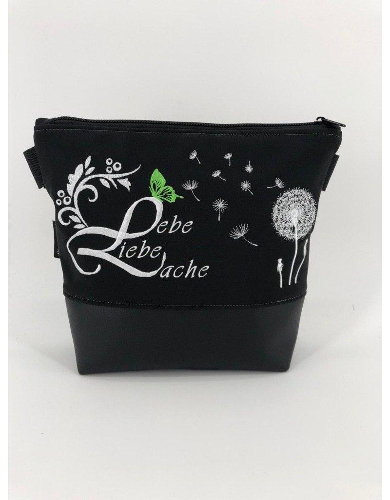 Milow Lebe, Liebe, Lache - weiße Stickerei mit grünem Schmetterling