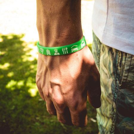 Ik ga op avontuur Travel bracelet Large - reisbandje icons - lichtgroen