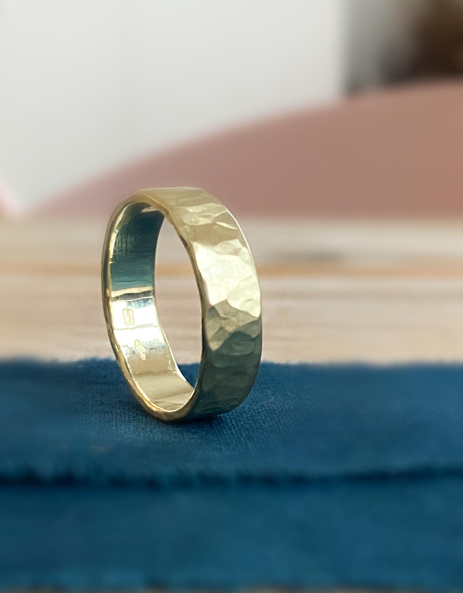 Atelier Maison Mannenring Hamret 5mm - geel, wit en rosé goud