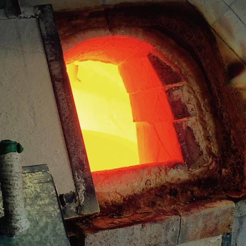 Gurasu Crystal Manufacturing Process