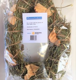 Borders Small Animal Hay & Apple Wreath 50g