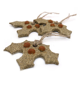 Rosewood Christmas Gnawable Holly Leaves Small Animal Treats, 3 pack