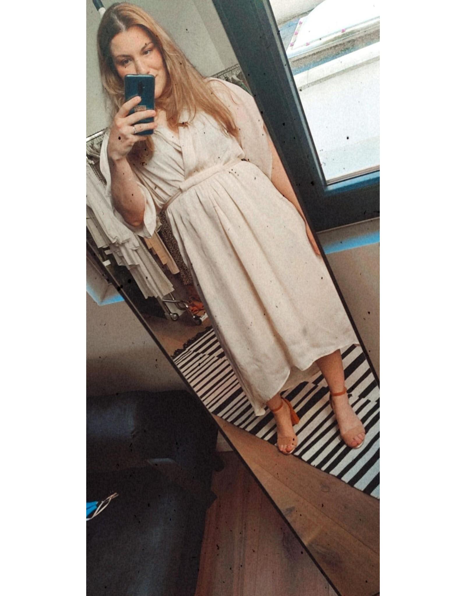 BELTED DRESS BEIGE