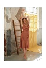 MILA SATIN LOOK SLIP DRESS PINK/BROWN