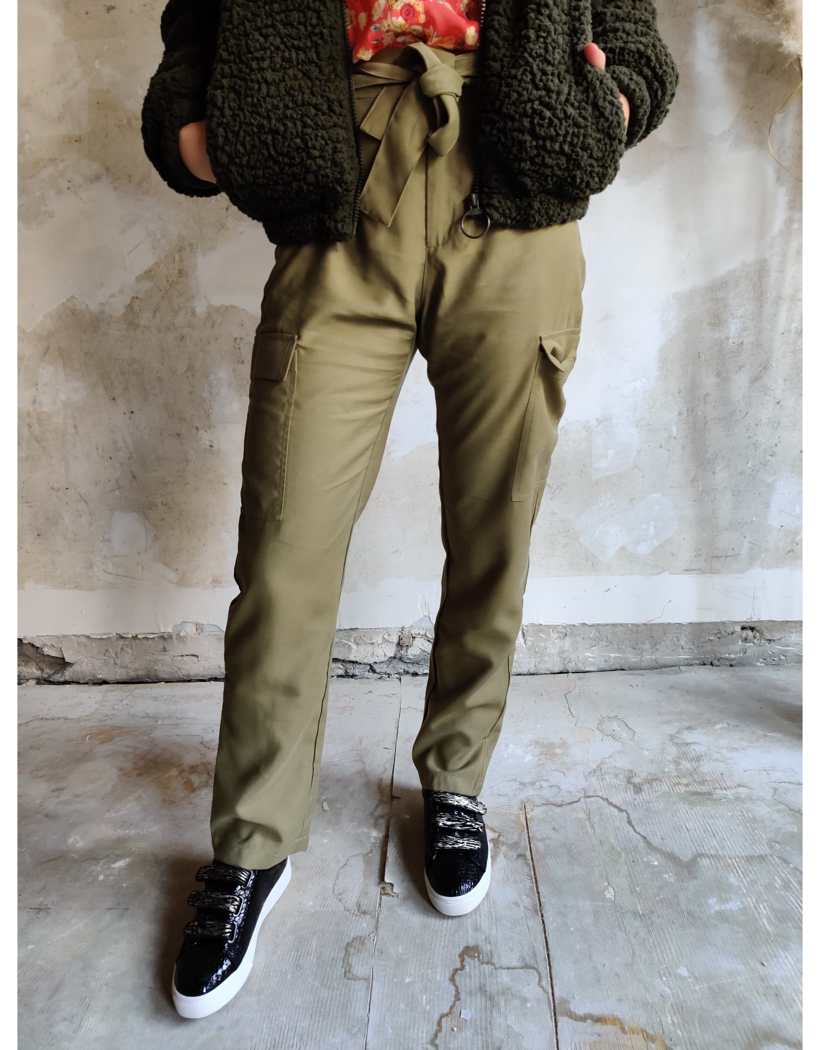 POCKET PANTS OLIVE