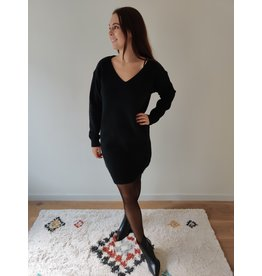 SKY V-NECK DRESS BLACK