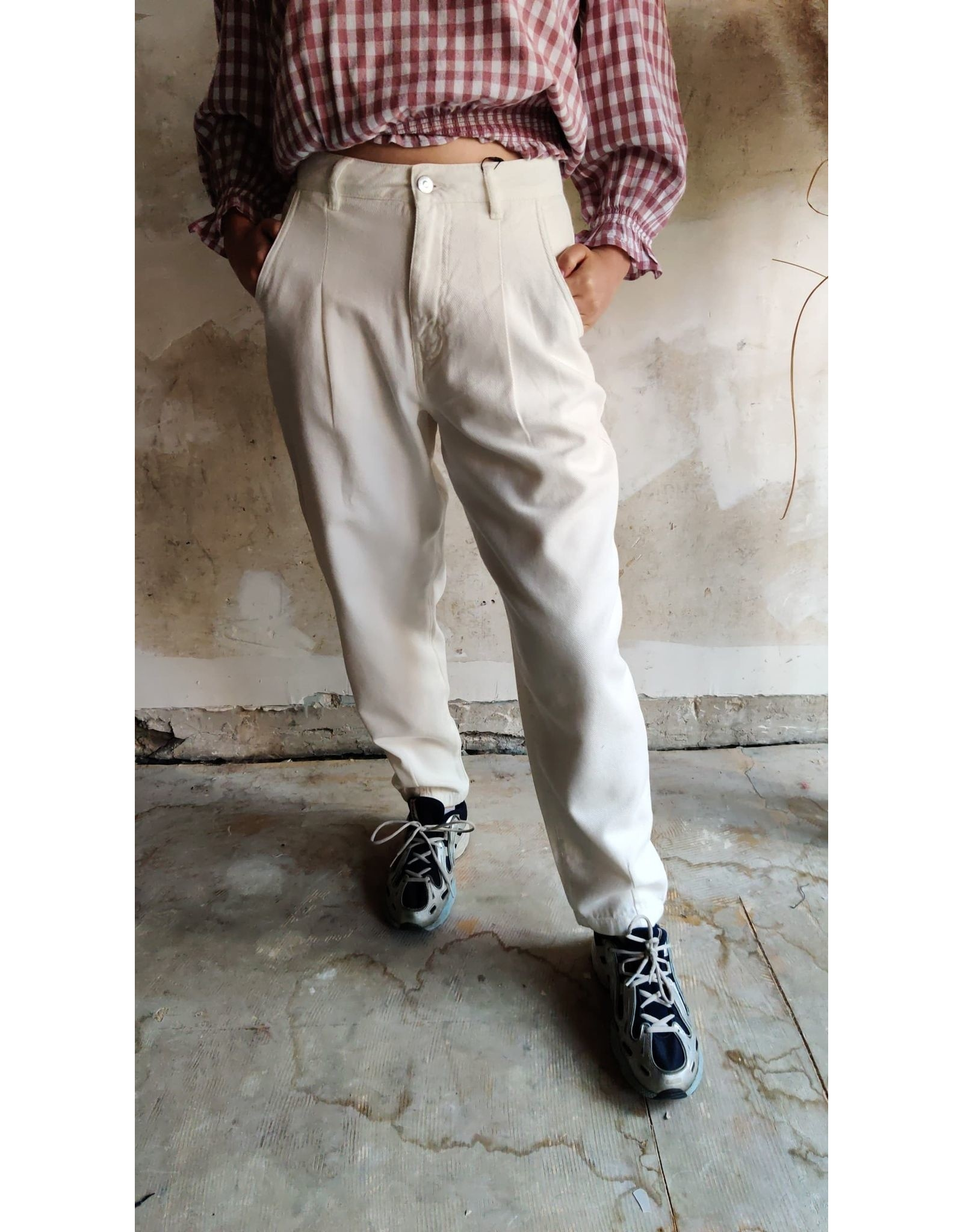 MADDIE SLOUCHY ANKLE PANTS WHITE