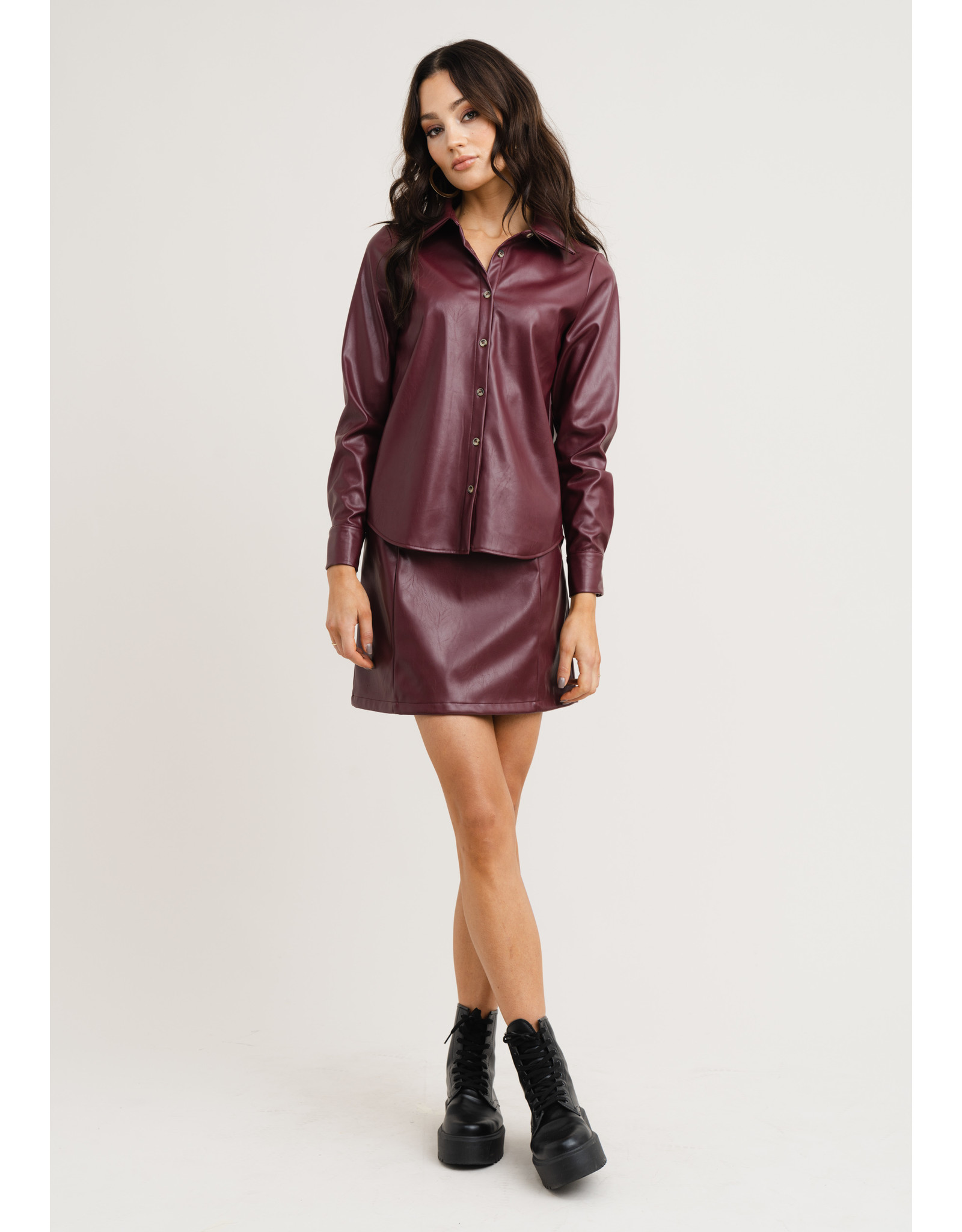 TILDA LEATHER LOOK SHIRT WINE RED