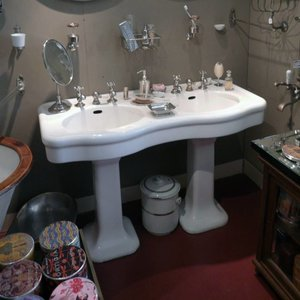 Antique Double Washbasin