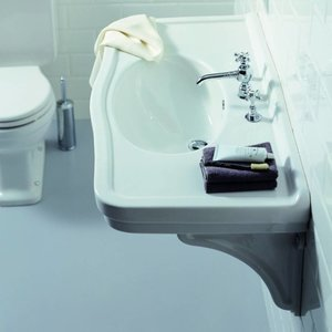 Washbasin with Porcelain Brackets