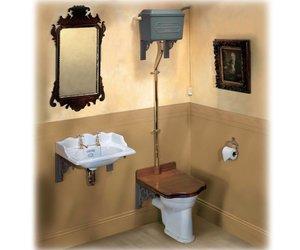 Ouderwetse Stortbak Toilet : Toilet met troonzitting en hooghang systeem affaire deau