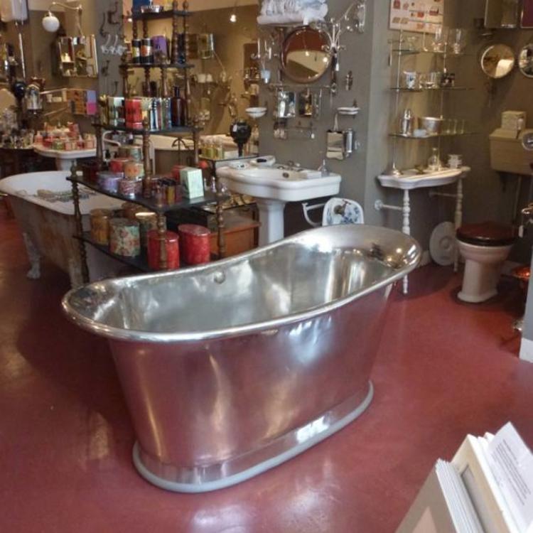 Tin Bathtub -